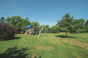 New Price Only $219,900 Cornwall Ontario image 11