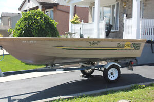14 ft. Aluminum Deep Hull Boat - Excellent Condition