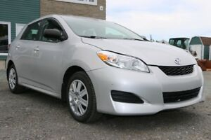 2012 Toyota Corolla Matrix - ONE OWNER/CARPROOF CLEAN