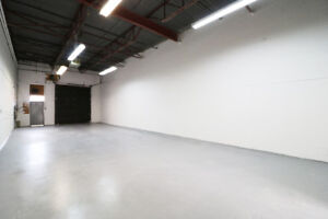 16ft Ceiling Height Warehouse+Office @ Midland/ Finch For lease