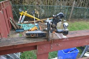 TRAILER HITCH / 8 TON PINTLE HOOK & RECEIVER