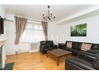 3 bedroom flat in Hall Road, London, NW8