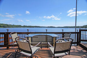 WATERFRONT VACATION ON FRENCH RIVER!
