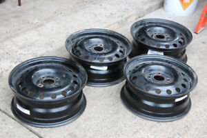 4 15 inch winter rims - 4x108 bolt pattern - Ford Focus
