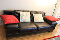Very sturdy and elegant leather couch - Pointe Claire - 150$