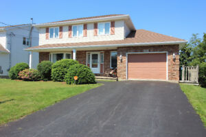 Gorgeous 5 Bdr Home Colby Village- New Windows & Pre Inspected!
