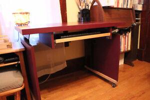 Crank up computer desk and stool. Belleville Belleville Area image 4