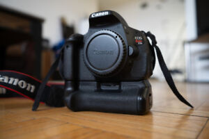 Canon EOS Rebel T3i (600D) DSLR Camera body + 2 batteries + grip