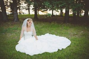Beautiful Princess style Wedding gown!! Size 2