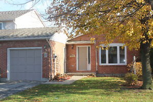 Clean and Bright 3 Bed, 1.5 Bath Townhome in Martindale Area
