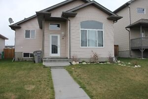 Single Family Home with Double Garage for Rent in Whitecourt
