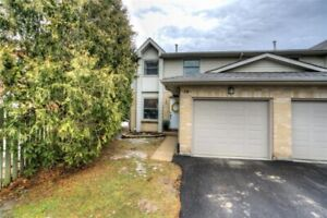 Spacious, well maintained end unit! 2987977