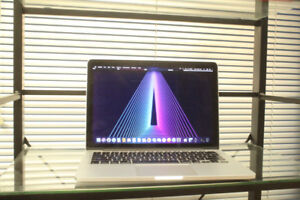 "Early 2013 Macbook Pro Retina 13"" / 256 GB SSD / NEW BATTERY"