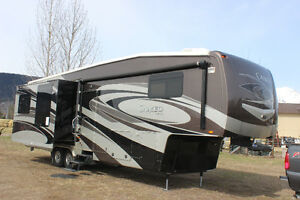 2012 CARRIAGE CAMEO 37ft  5TH FIFTH WHEEL