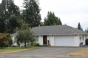 Large 3168 sq ft East Courtenay Home For Sale-$469,900