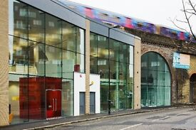 Spacious, bright, modern office space to let and hassle free – all inclusive! Available immediately!