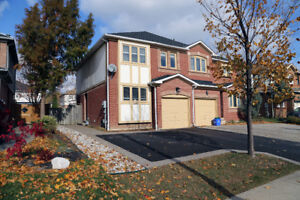 Spotless 3Bed 2Bath Family Home in Desirable Clearview, Oakville