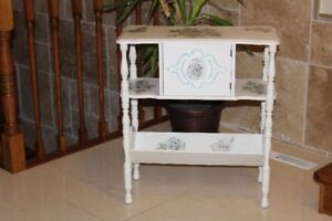 Table antique/ Antique table