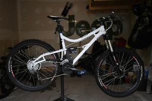 Xprezo Raah All Mountain Bike