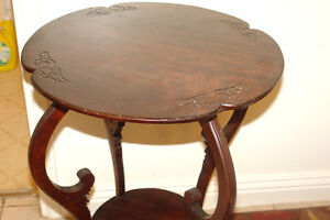 Very good condition occasional table Kingston Kingston Area image 2