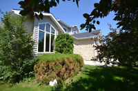 TRADITIONAL 2-STOREY EXECUTIVE HOME IN ISLAND LAKES