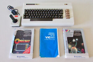 Vintage Commodore VIC 20 Computer Video Game Console-MINT!