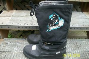 WOMENS BAFFIN SNOWMOBILE BOOTS