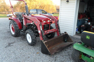 low hours on this 2003 farm pro tractor loader .