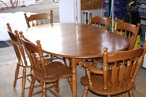 Roxton Dining Table Set with Hutch and side tables $300 obo