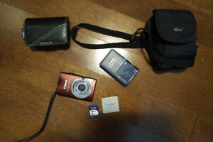 Canon PowerShot zoom, 8.0 mpixel, 8 GB card, 2 cases, charger