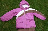 Faire offre : Habit de neige + bottes de neige - enfant 6-8 ans