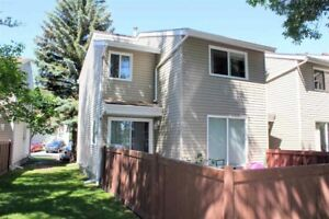 Perfect Townhouse in Spruce Grove