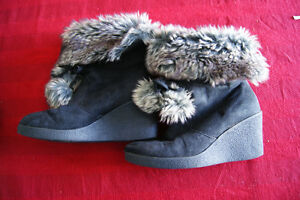 Women's wedge winter boots, size 7.5, $7