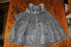 Girl's Size 5 Holiday Dress - Grey