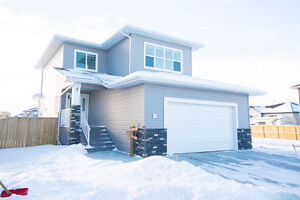Gorgeous Fully Finished Home, Excellent Location!
