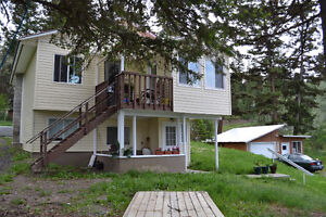 Nicely Renovated 3 Bedroom Home Minutes to Williams Lake