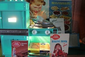 1964 Easy Bake Oven With Box & Accessories  (VIEW OTHER ADS)