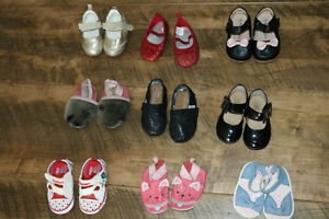Baby girl shoes. Size 4
