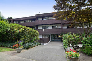 !Red Alert 4 the Savvy Investor!Lower-Lonsdale 1-Bdrm Great Bldg