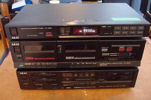 AKAI Amplificateur + Tuner + Cassette deck + Table tournante
