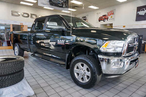 2015 Ram 3500 SLT 4WD Crew 8ft Box, ONLY 30k KMS!