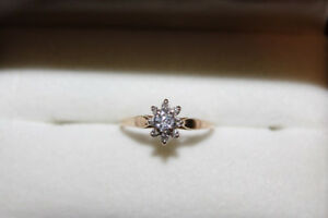 Ladies 10K Yellow Gold Engagement Ring With 8 Diamonds