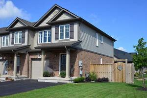 3 year young, 2 storey town home for sale in Niagara Falls