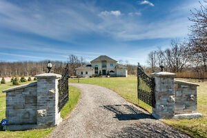 GORGEOUS GATED COUNTRY HOME ON 1.5 ACRES LOT, HAMILTON(X3510404)