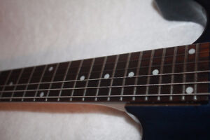 electric guitar -- 24 FRETS -- FAST NECK -- FANTASTIC CONDITION