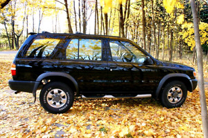 1998 nissan pathfinder SE-fully loaded-nice,cheap 4x4