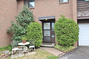 Townhouse for Sale in Bells Corners