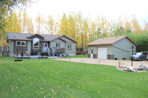 Elegant home on 1/2 Acre Lot, minutes to Athabasca