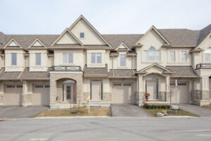 2 YEAR OLD 3 BEDROOM BEAUTIFUL FREEHOLD TOWNHOUSE IN HAMILTON