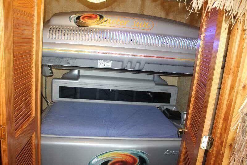 Massage Professional tanning bed